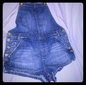 Free People size 27 short overalls